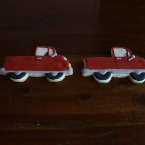 Red pick up truck cookie