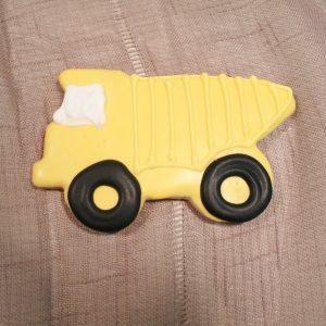 yellow dump truck cookie